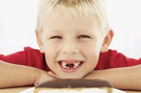 Как правильно ухаживать за зубами детям?