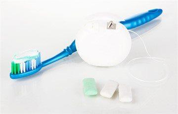 К дополнительным средствам индивидуальной гигиеныполости рта относят