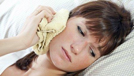 Согревающий компресс помогает быстро убрать заморозку