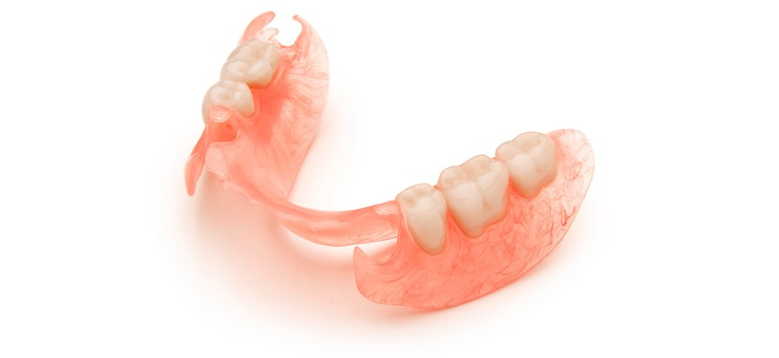 Как изготовляют протезы зубов