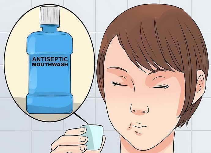 Не стоит пренебрегать и жидкостями для полоскания рта.