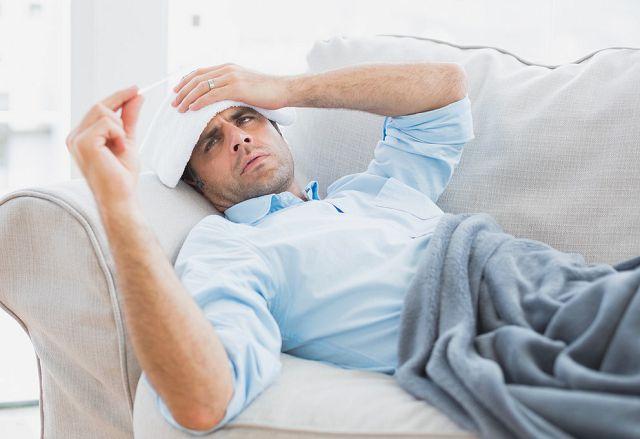 Повышение температуры и ухудшение общего состояния указывает на развитие осложнений.
